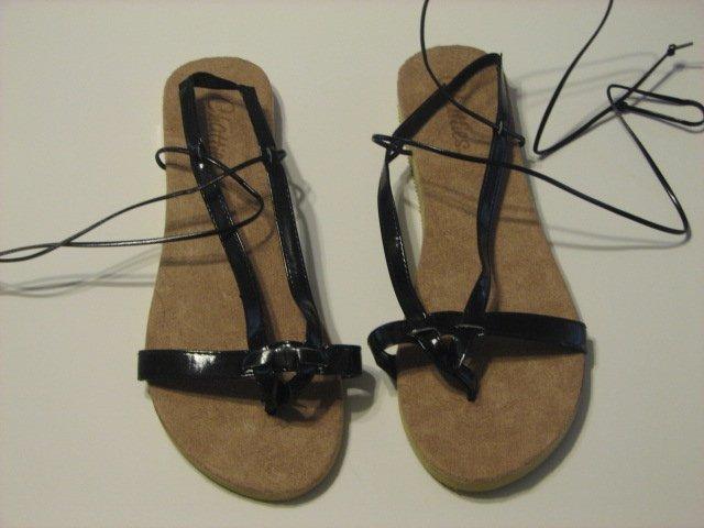 Women's Black Wrap Up Sandals Size 7-8 (Medium)