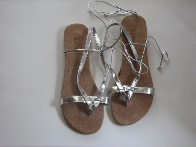 Women's Silver Wrap Up Sandals Size 9-10 (Large)