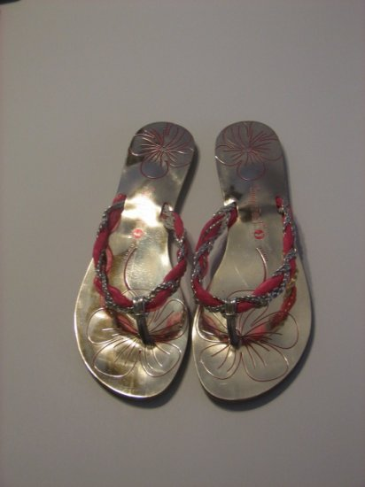 Women's Gold and Fuschia Sunny Feet Brand Sandals Size 7 1/2