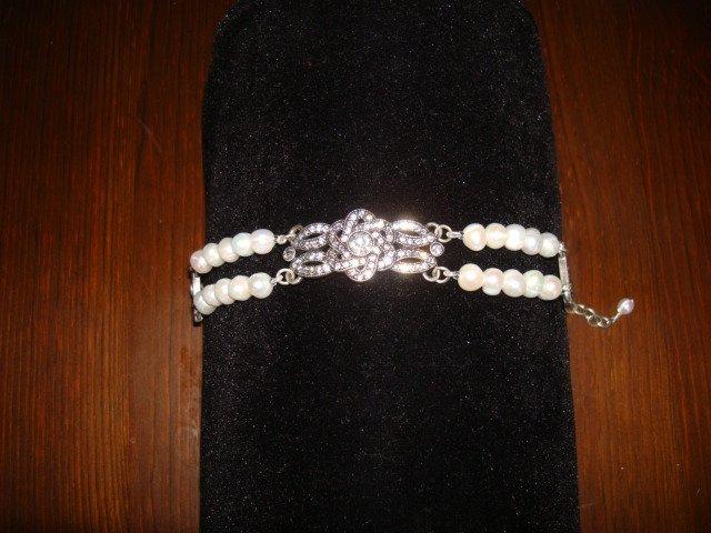 Mia Bracelet-White Pearls