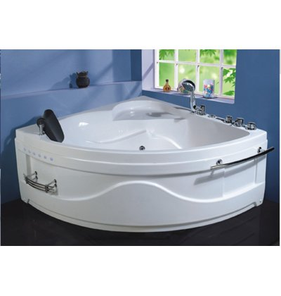 W001, Tiangle Shape Whirlpool Spa Bath Tub 135cm x 135cm x66cm