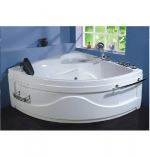 W001, Tiangle Shape Whirlpool Spa Bath Tub 135cm x 135cm x66cm