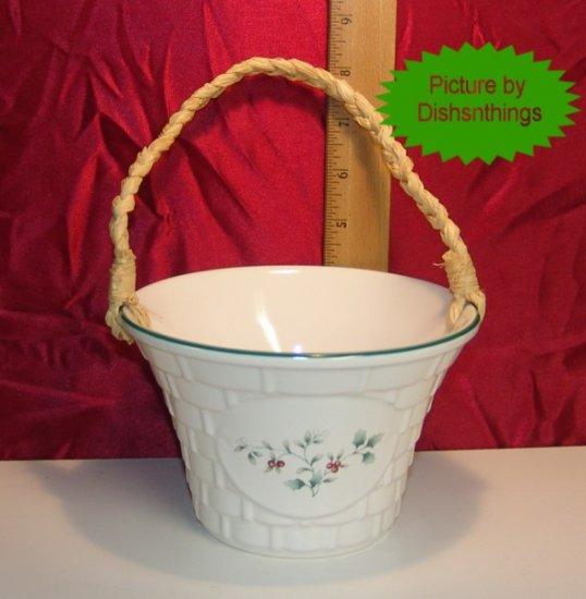 Pfaltzgraff WINTERBERRY Sculpted Basket Centerpiece USA