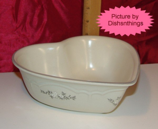 Pfaltzgraff HEIRLOOM Large Heart Serve Bowl USA! MINT!