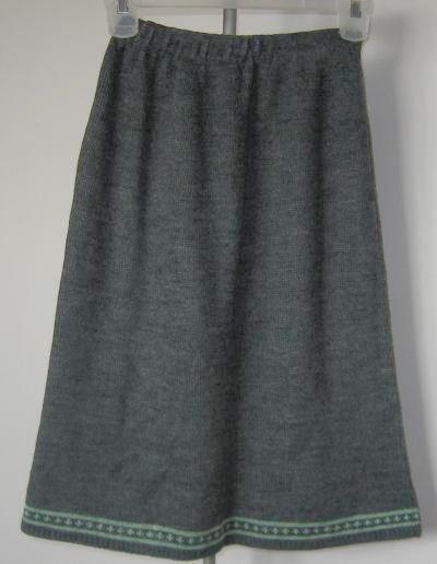 gray mid calf length skirt 100% acrylic size small 26 waist