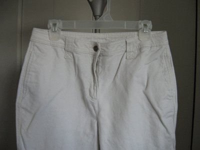 CHRISTOPHER AND BANKS cargo style jeans size 10 cream coloor in good condition