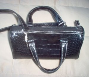 NINE WEST black handbag purse in excellent condition gorgeous nice