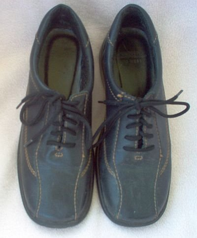 black Cloud Nine West comfort casual shoes size 7M leather in gently used condition