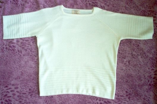 lovely Vintage Hudsons acrylic short sleeved sweater in excellent condition
