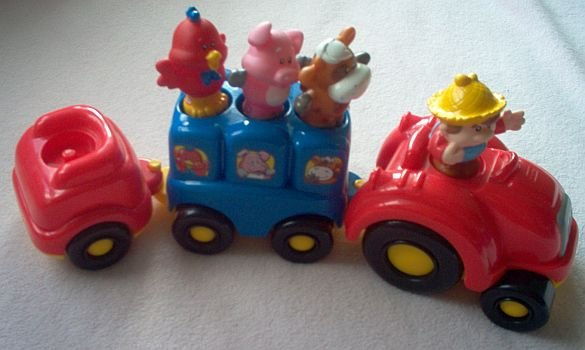 Little Tikes Farm Train LIKE NEW with figures people