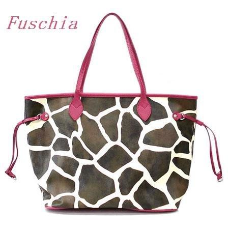 Giraffe Print Tote Handbag Purse, Fuschia (122-2838)