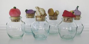 Kitchen Containers Small Glass Round Jars Vegetable Cork Tops, set of 6