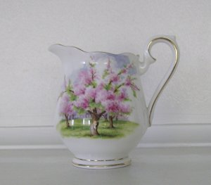 Royal Albert, Bone China, Blossom Time, Mini Creamer