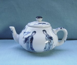 Victoria and Albert Museum, Tea Pot, Kangxi, Franklin Mint, 1985, vintage