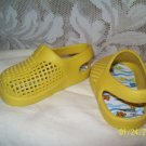 Adorable unisex Pollywogs sandals great for beach sz 2