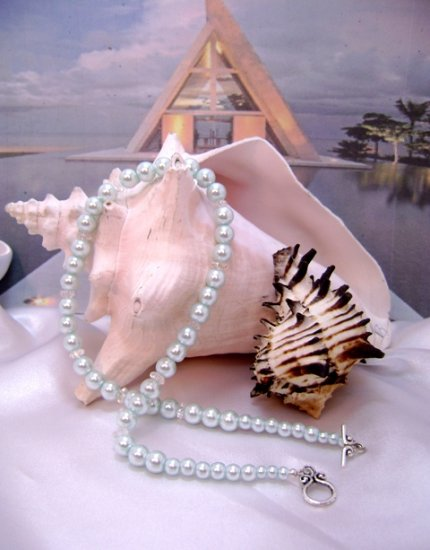 Celadon/Aqua Pearl and Crystal Single-Strand Necklace