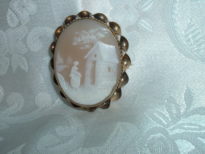 #68 - Vintage Antique Shell Cameo Brooch