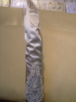 Satin Lace Beaed  Bridal Wedding Gloves(ST0009)