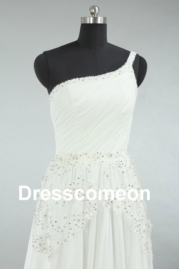 Custom Made  Lace and Chiffon  Wedding Dress,A-line One-shoulder  Floor-length  Bridal Gown