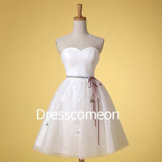 Knee-length Sweetheart  Tulle  Summer Bridal Gown, A-line Sleeveless Wedding Dress with Belt