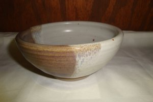 COMTEMPORARY ART POTTERY BOWL