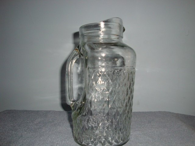 QUILTED DIAMOND HAZEL ATLAS GLASS CO. PITCHER