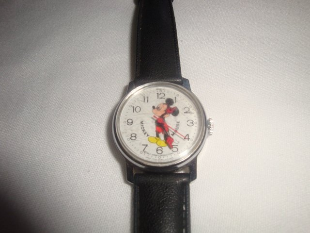 VINTAGE BRADLEY MICKEY MOUSE  CHILDS WATCH