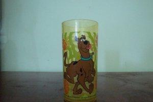 1999 HANNA BARBERA SCOOBY-DOO PLASTIC GLASS SET OF 2