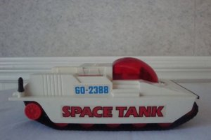 VINTAGE RADIO SHACK SPACE TANK BATTERY OPERATED