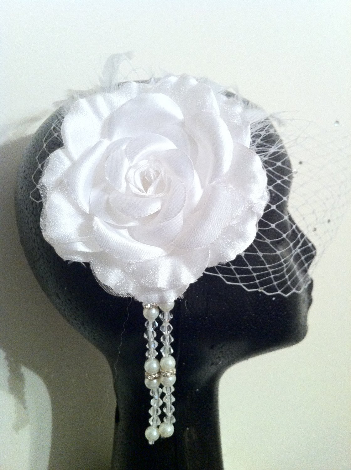 Elegant and Modern White Birdcage Veil