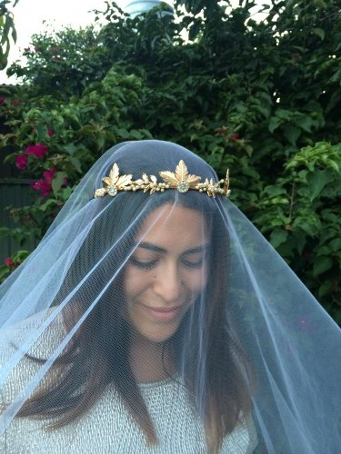 Gold Wedding Crown Woodland Queen Wedding Headpiece Leaves Flowers and Pearls, Wedding Hair, Tiara