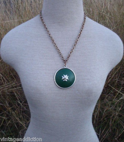 Vintage Chunky  Green Medallion Pendant Necklace