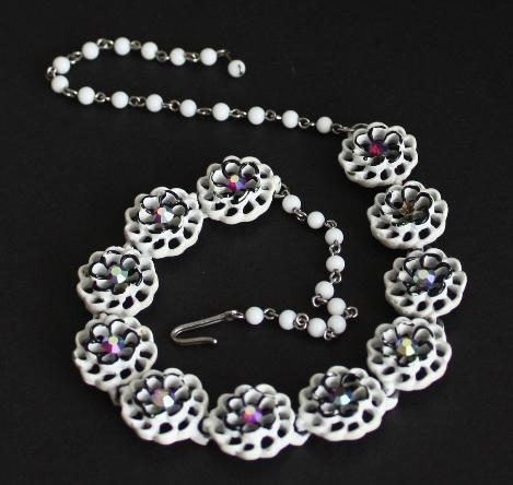 Vintage White Flower Aurora Borealis Necklace