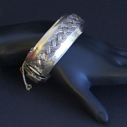 Vintage Braided Gold Tone Hinged Bracelet