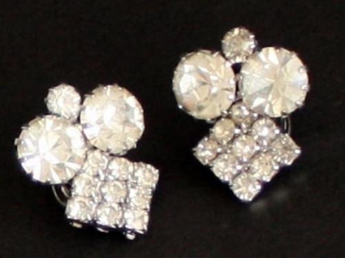 Vintage Signed Celebrity NY Rhinestone Clip On Earring