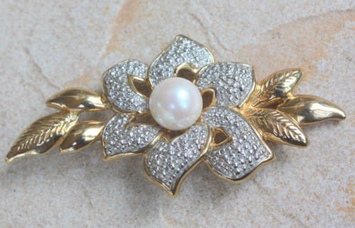 Vintage White Pearl Large Flower Pin // Brooch