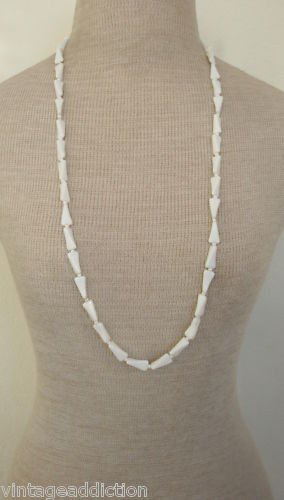 Vintage Art Deco Unique White Milk Bead Necklace