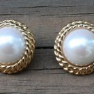 Vintage Sarah Cov Cream Pearl Chungky Pierced Earrings