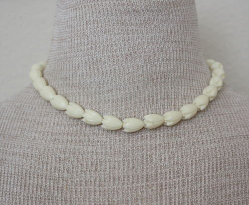 Vintage Faux Ivory Molded Tulip Necklace