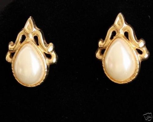 Vintage  Faux Pearl Gold Tone Pierced Earrings