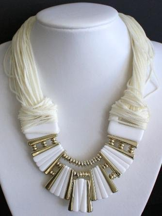 Vintage Chunky Cream Necklace