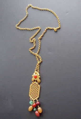 Vintage Chic Avon Glass Dangle Pendant Necklace