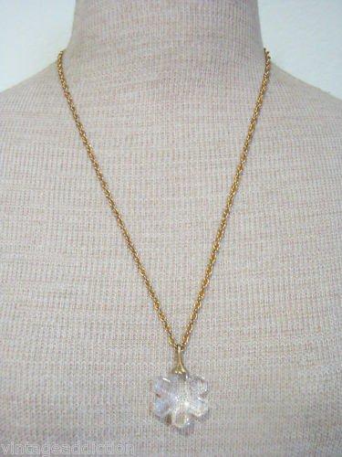Cute Vintage White Glass Flower Pendant Chain Neckalce