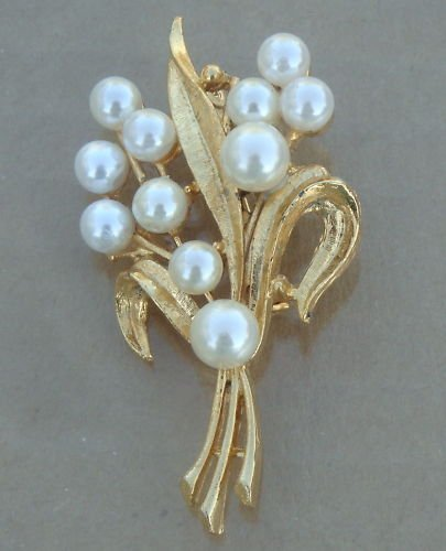 Vintage Golden Leaf & White Pearl Pin Brooch