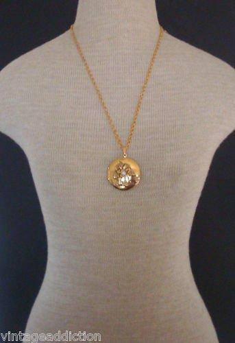 Outstanding Vintage  Locket Pendant Necklace Unworn
