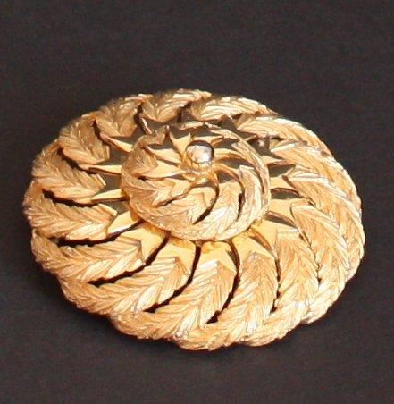 Vintage Swirl Pattern Gold Tone Pin/Brooch