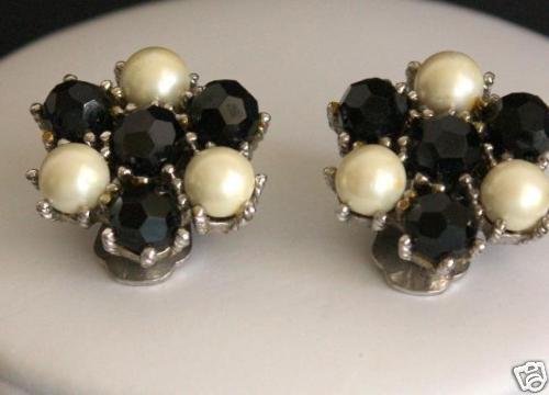 Vintage Marvella Black White Bead Clip On Earrings