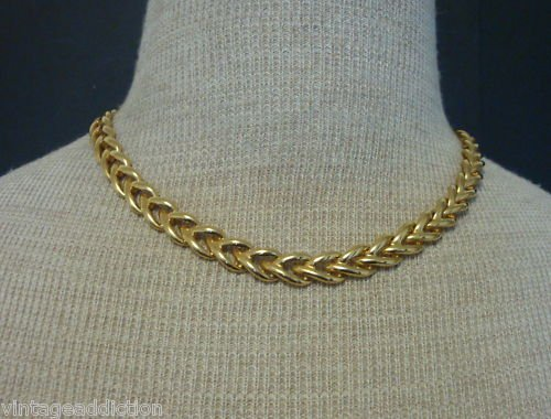 Chic Vintage Gold Link Necklace 1980s