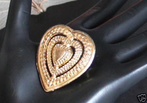 Beautiful  Vintage Heart Shaped Gold Tone Pin/Brooch