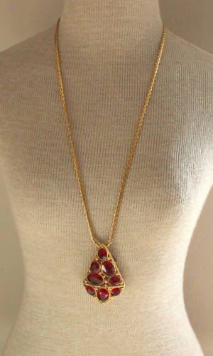 Vintage Chunky Red Glass Pendant Trifari Chain Necklace